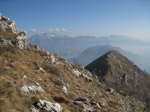 M328 (273009 byte) - Climbing to Mount Rai; panorama on Mount Corno Birone, Mount Barro and Mount Resegone